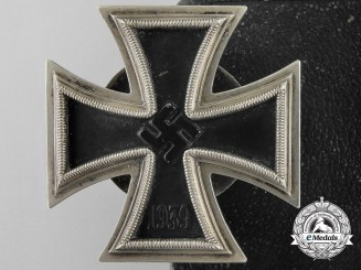 """A 1939 First Class Iron Cross; Marked """"L 58"""", Cased"""