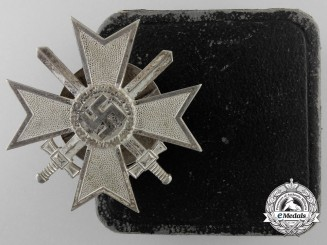 A War Merit Cross First Class With Swords with Case