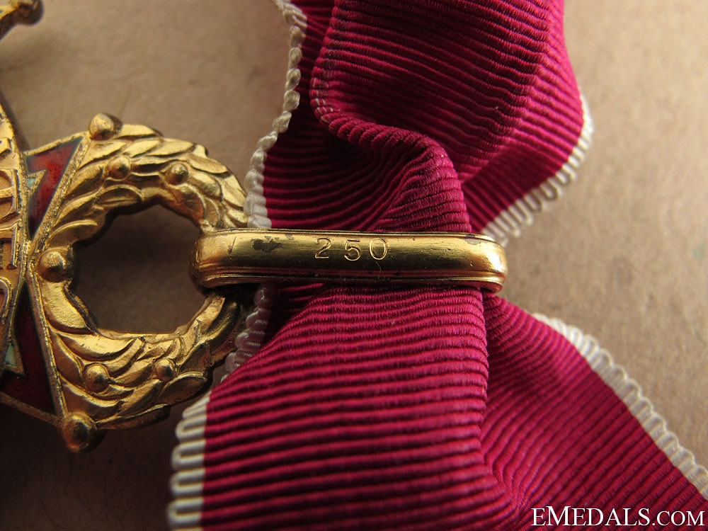 A WWII Commanders Legion of Merit - Numbered