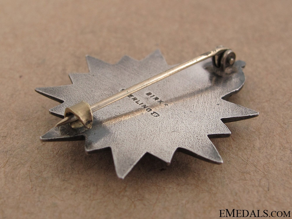 WWII Victoria Rifles of Canada Pin