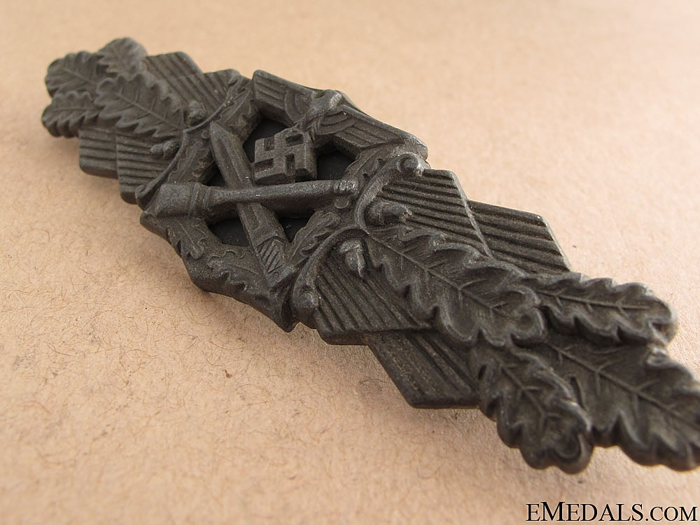 Close Combat Clasp - Bronze by FLL