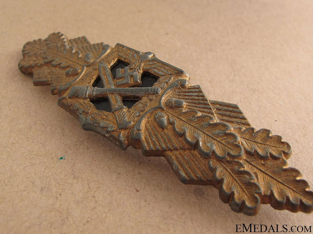 Close Combat Badge by F&BL