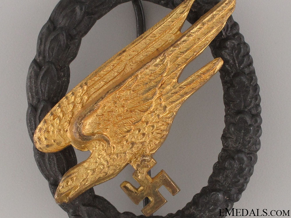 An Early Cased Paratroopers Badge   CONSIGNMENT (Michael Whelton)