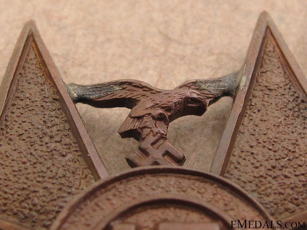 A Spanish Cross for Next-of-Kin