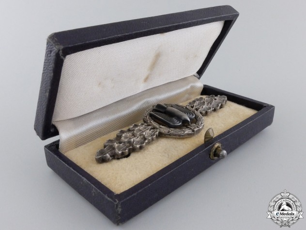 A Silver Grade Luftwaffe Bomber Squadron Clasp with Case