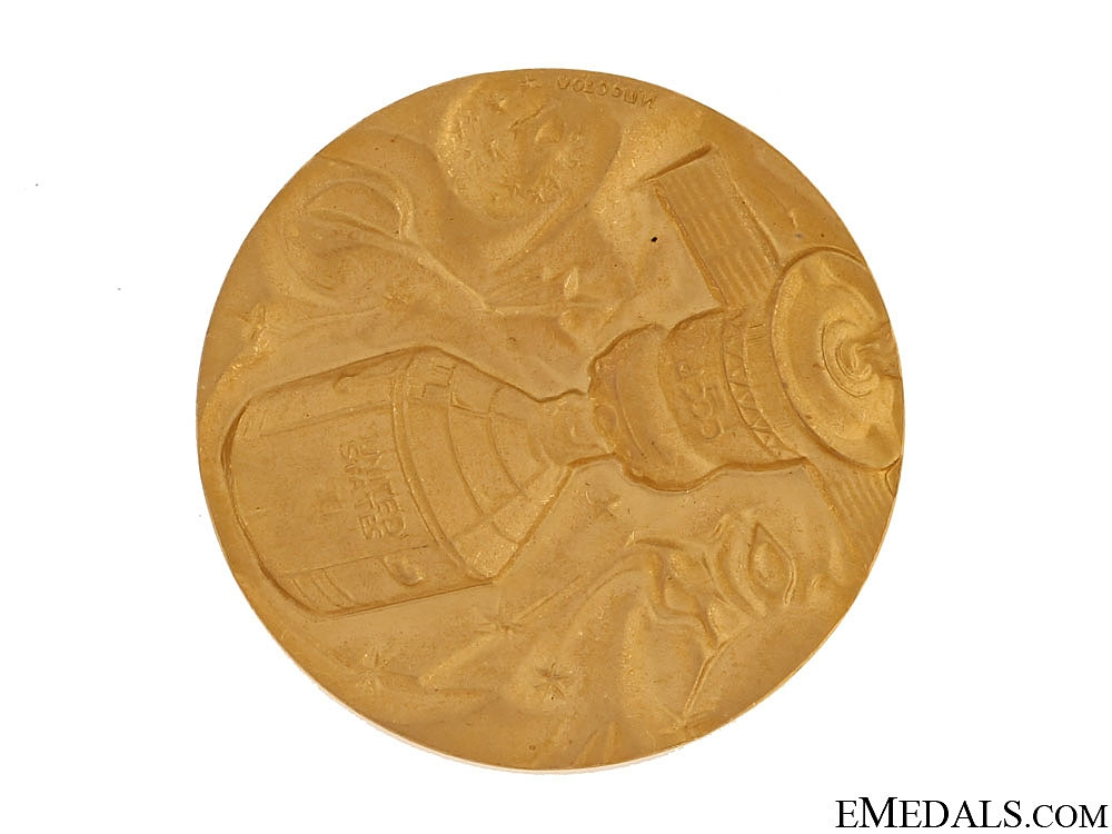 A Solid GOLD Apollo-Soyuz Test Project Commemorative Medal