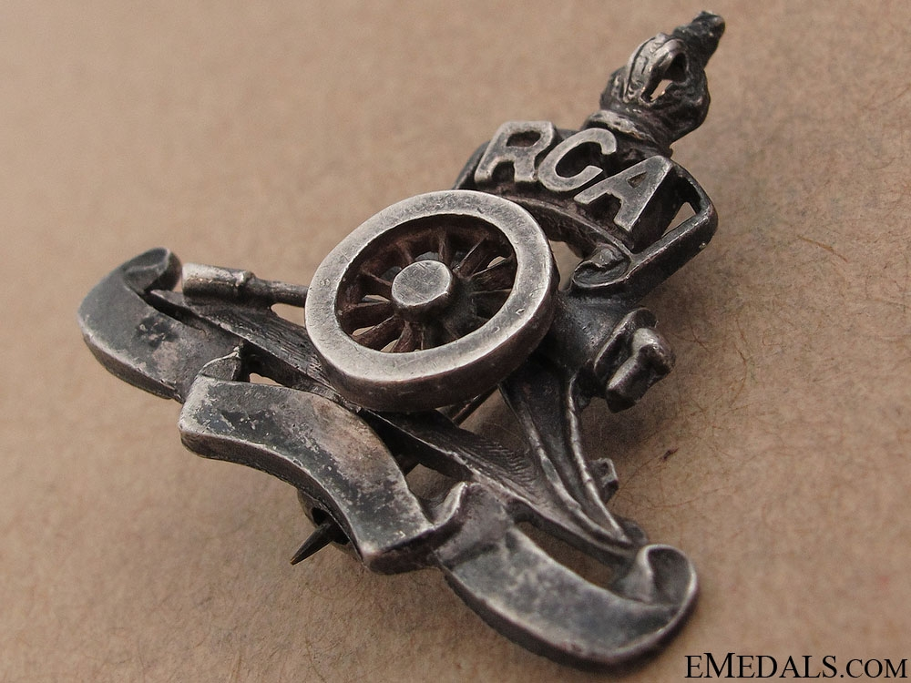 WWII Royal Canadian Artillery Sweetheart Pin