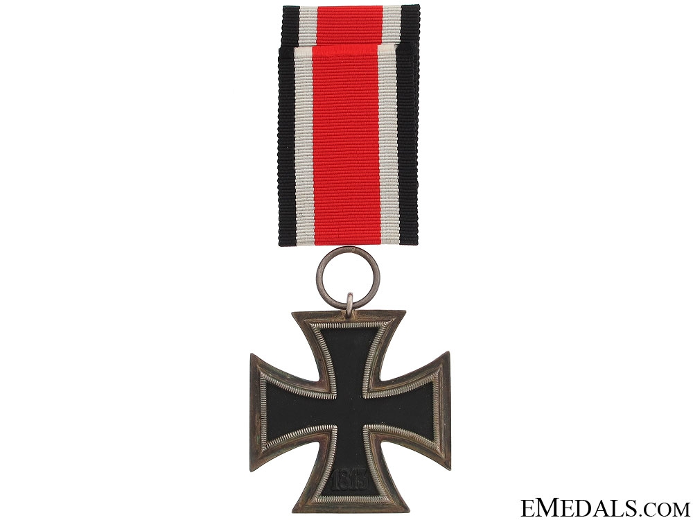 Iron Cross 2nd Class 1939 in Red Case of Issue