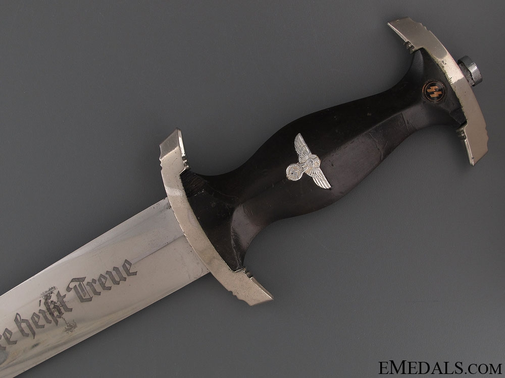 A Chained SS Leaders Dagger