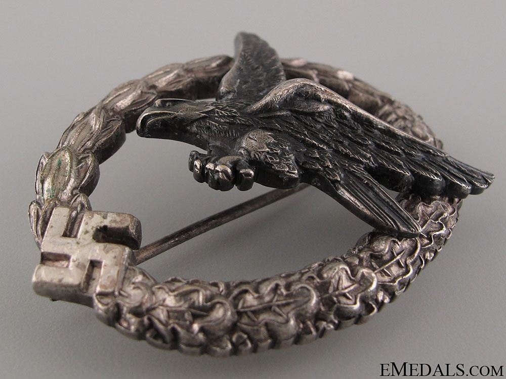 An Early and Mint Air Gunner Badge