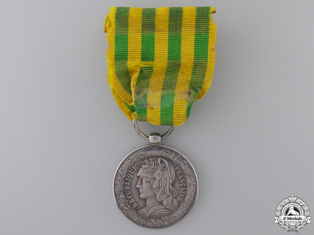 A 1883-1885 French Tonkin Campaign Medal; Army Version