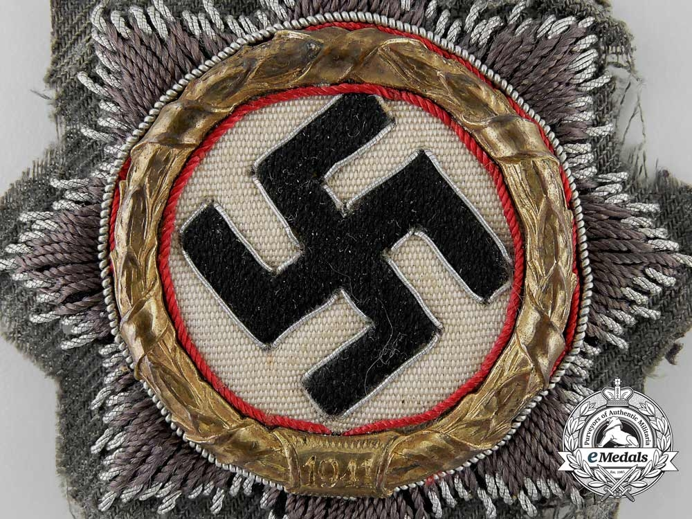 An Wehrmacht/Army German Cross in Gold, Cloth Version