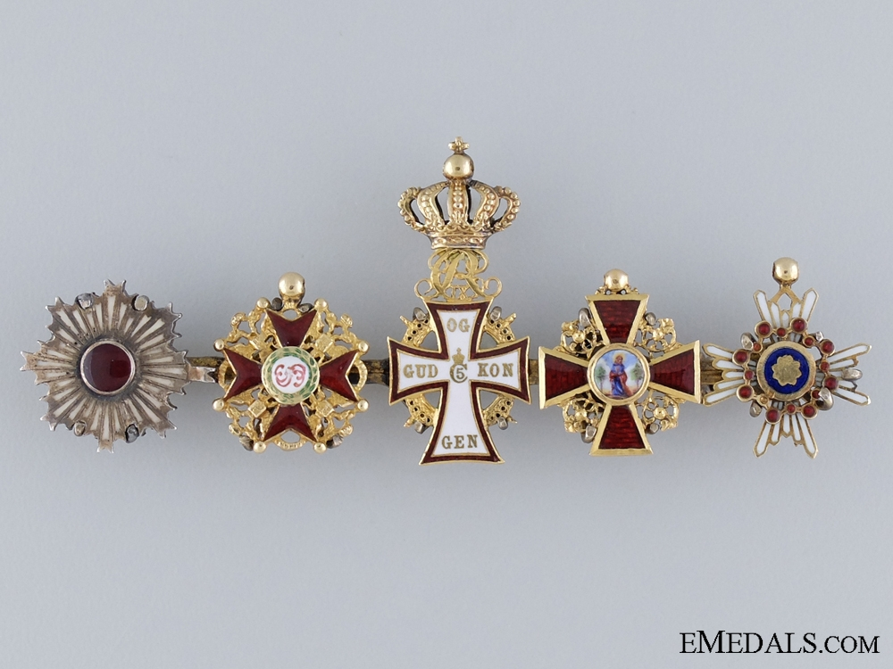 A Diplomat's Exqusite Gold Miniature Set of International Orders