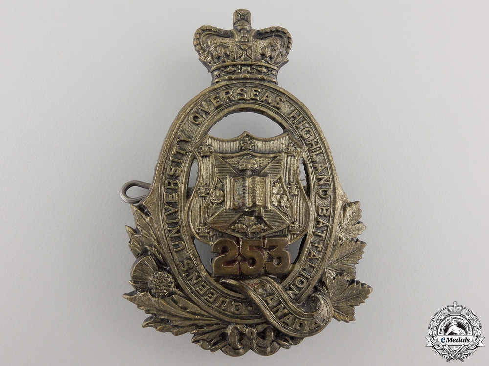 A First War 253rd Infantry Battalion Queen's University Cap Badge