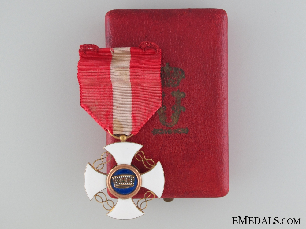 A Gold Italian Order of the Crown; Knight's Cross