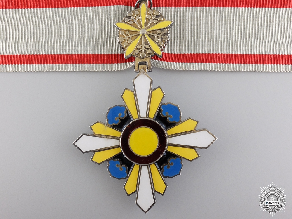 A Japanese Order of the Auspicious Clouds; Third Class
