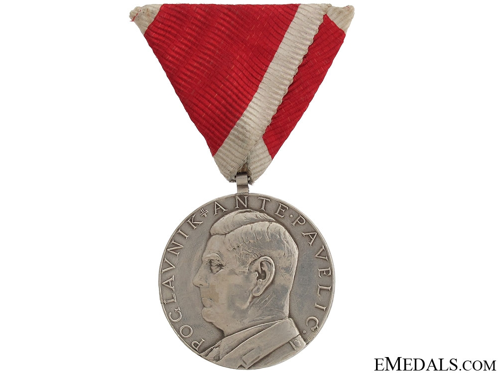 A Large Bravery Medal First Class 1941-45