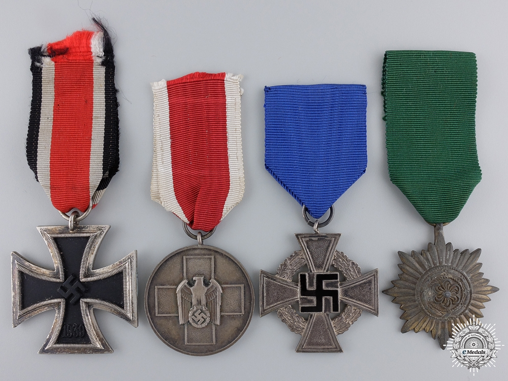 A Lot of Four Third Reich Awards
