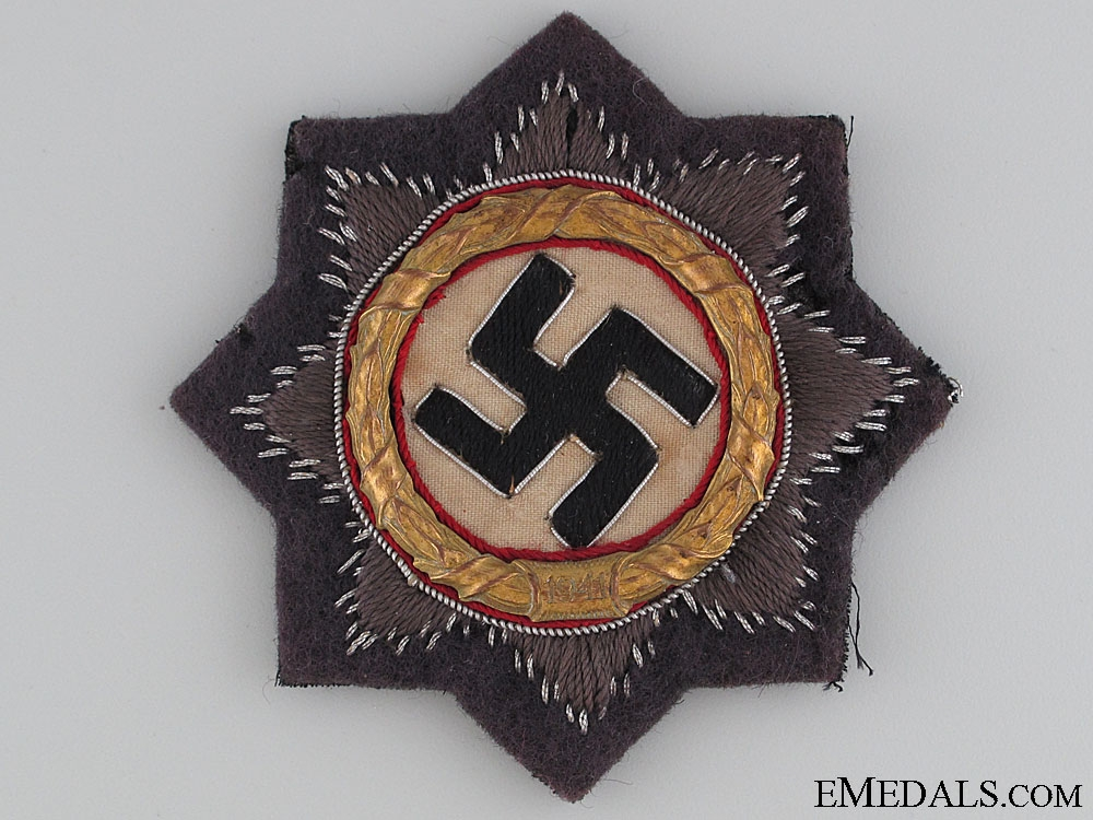 A Luftwaffe Issue German Cross in Gold