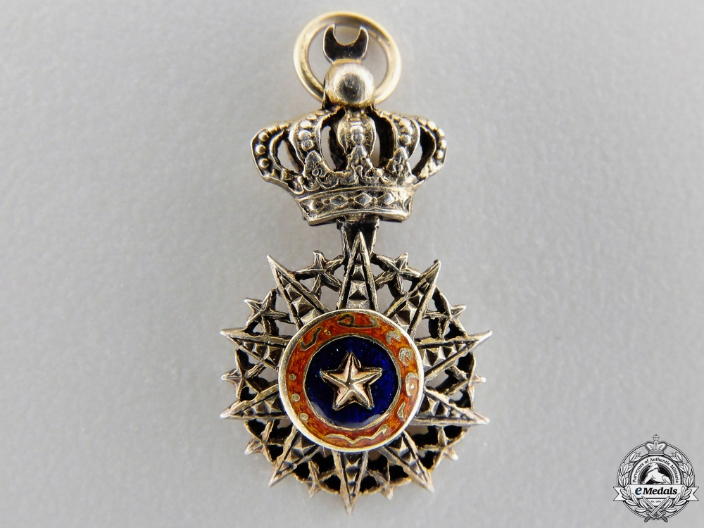A Miniature French Somali Order of Nichan El-Anouar in Gold
