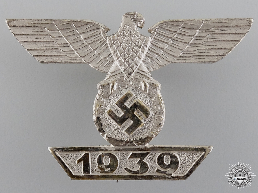 A Mint Clasp to the Iron Cross First Class 1939 by Deumer