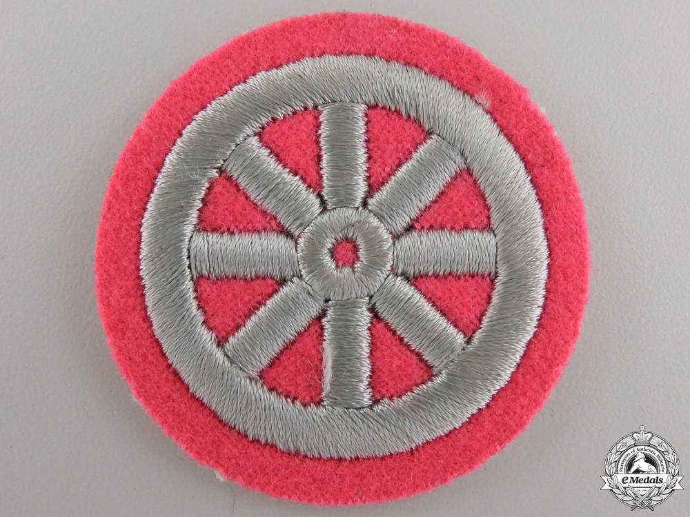 A Motor HJ Qualification Sleeve Insignia