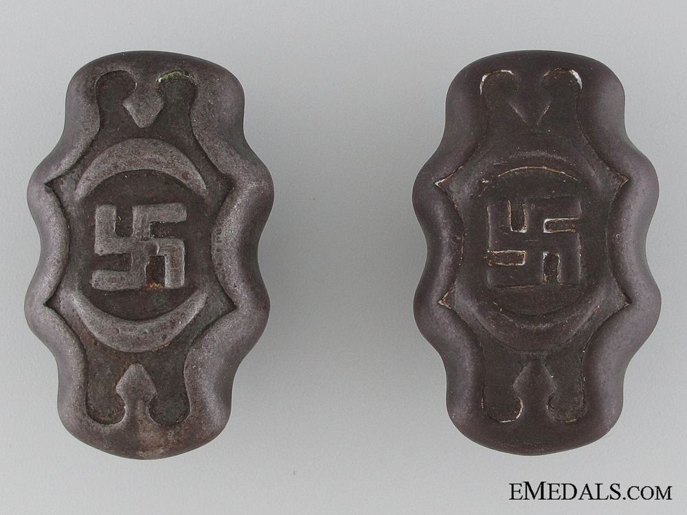 A Pair of Third Reich Period Faucet Handles