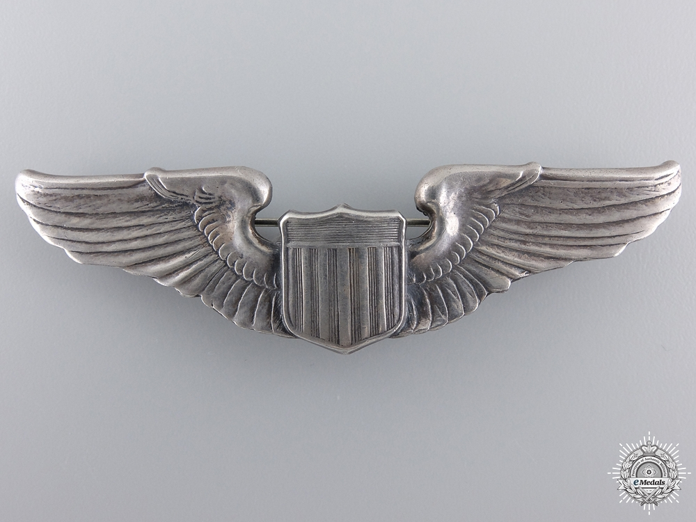 A Second War American Army Air Force Pilot Badge by A.E.co.