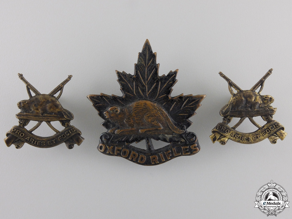 A Set of Oxford Rifles Insignia