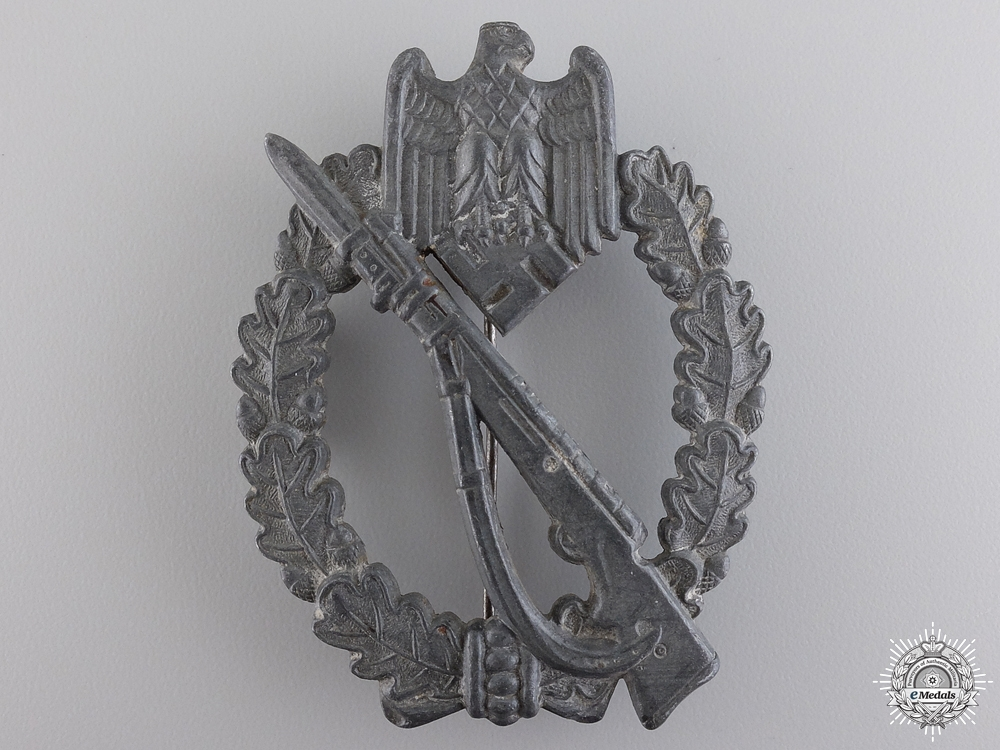 A Silver Grade Infantry Badge by M.K.1.