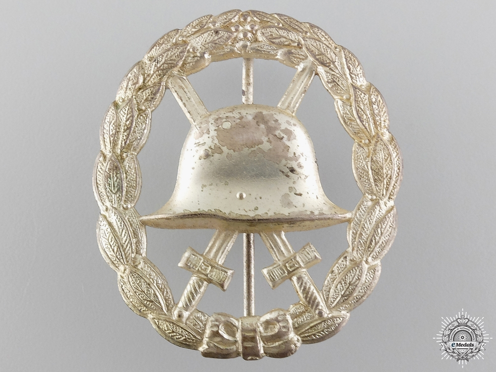 A Silver Grade Wound Badge; Cut Out Version