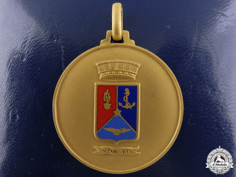 An Italian Armed Forces Defence Staff Award Medal