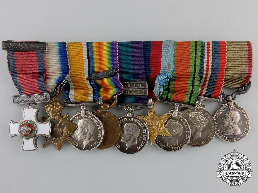 A New Zealand Distinguished Service Order Miniature Group