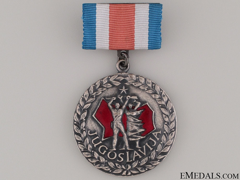 Freedom to People & Death to Fascism 1941-45 Medal