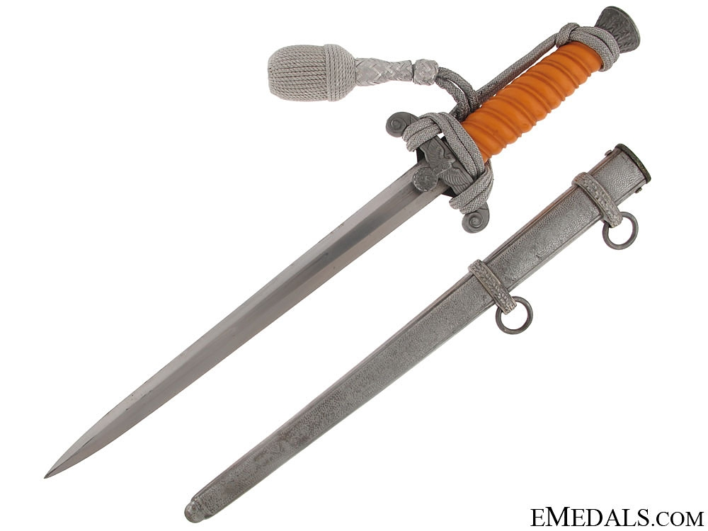 A Mint & Complete Boxed Army Dagger