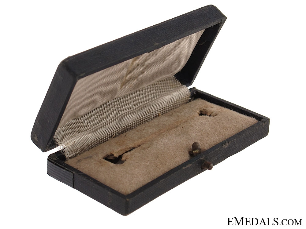 Case for Squadron Clasp for Fighter Pilots