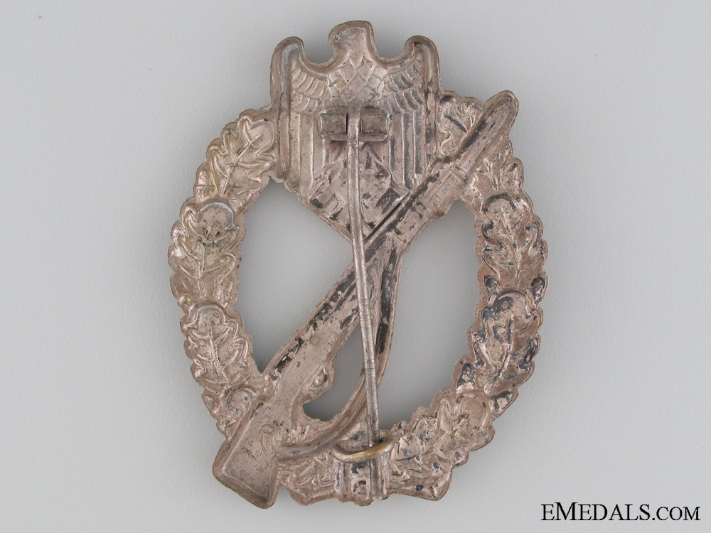 An Early War Infantry Badge; Silver Grade