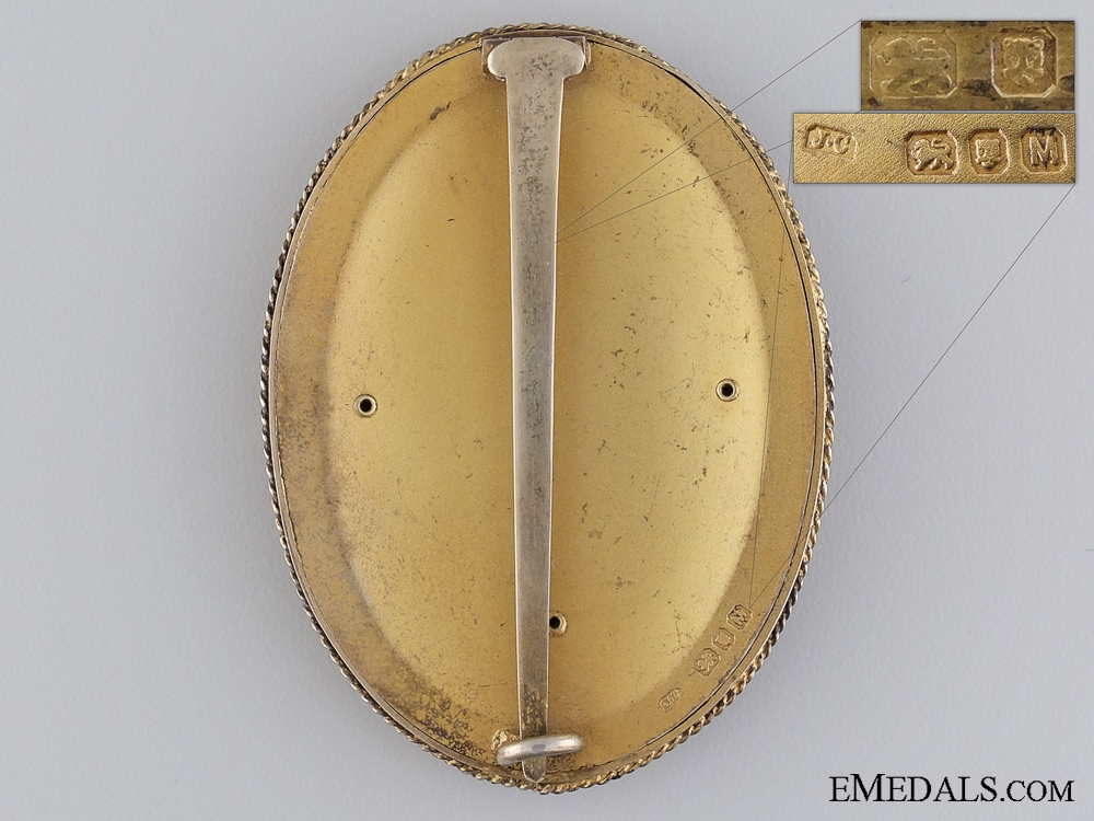 A Knight's Bachelor's Badge (KB); Smaller Type 1933-1973