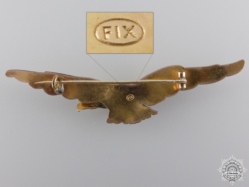 An Early First War French Pilot Wing in Gold by Fix