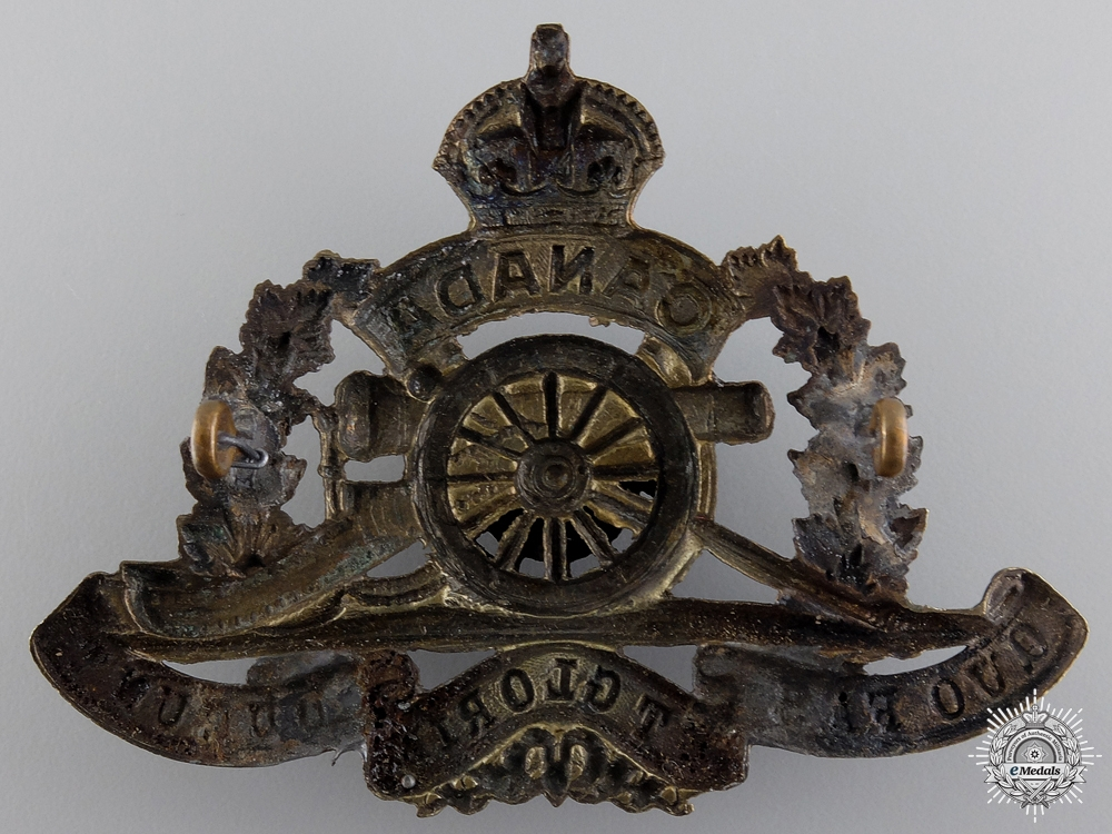 WWI 50th Queen's University Overseas Field Battery Cap Badge  consign 17
