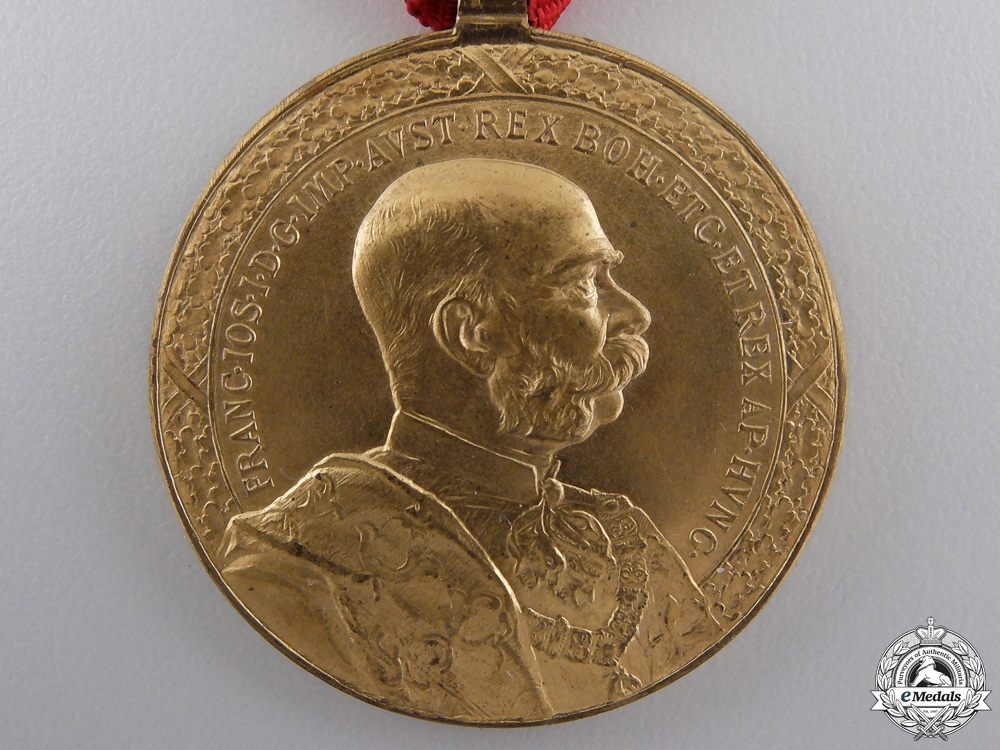 A Mint Austrian Honour Medal for Forty Years' of Faithful Service