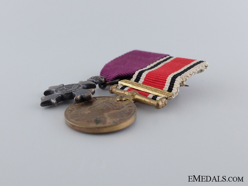 A First War Miniature Pair of Two Awards