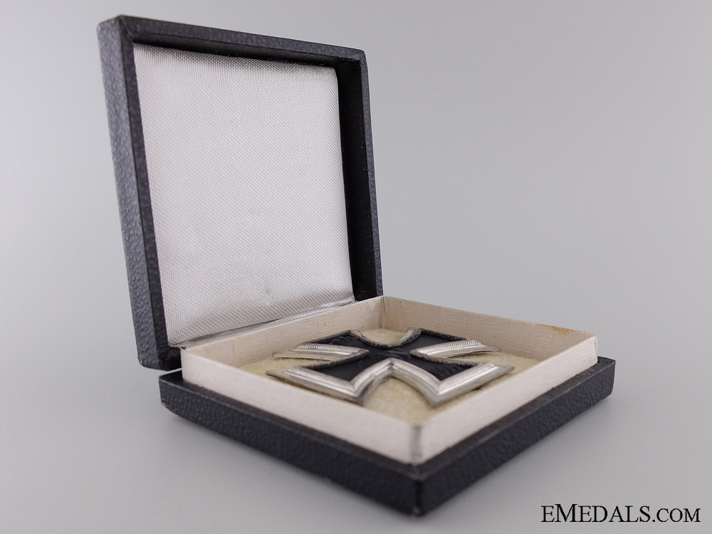 1914 First Class Iron Cross with Case of Issue