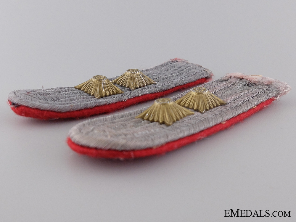 Army Artillery Hauptman Shoulder Boards