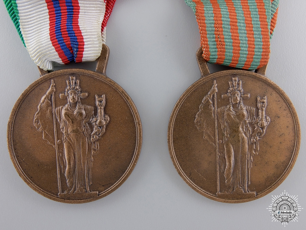 Two Second War Italian Commemorative Medals