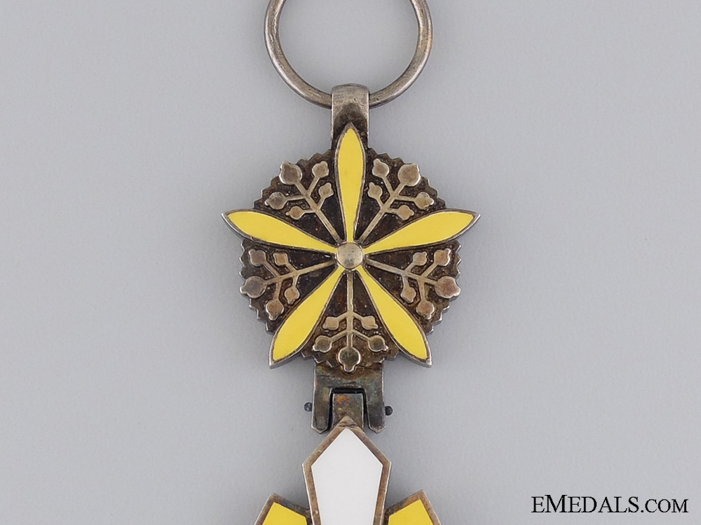 A Japanese Order of the Ausicious Clouds; Grand Cross