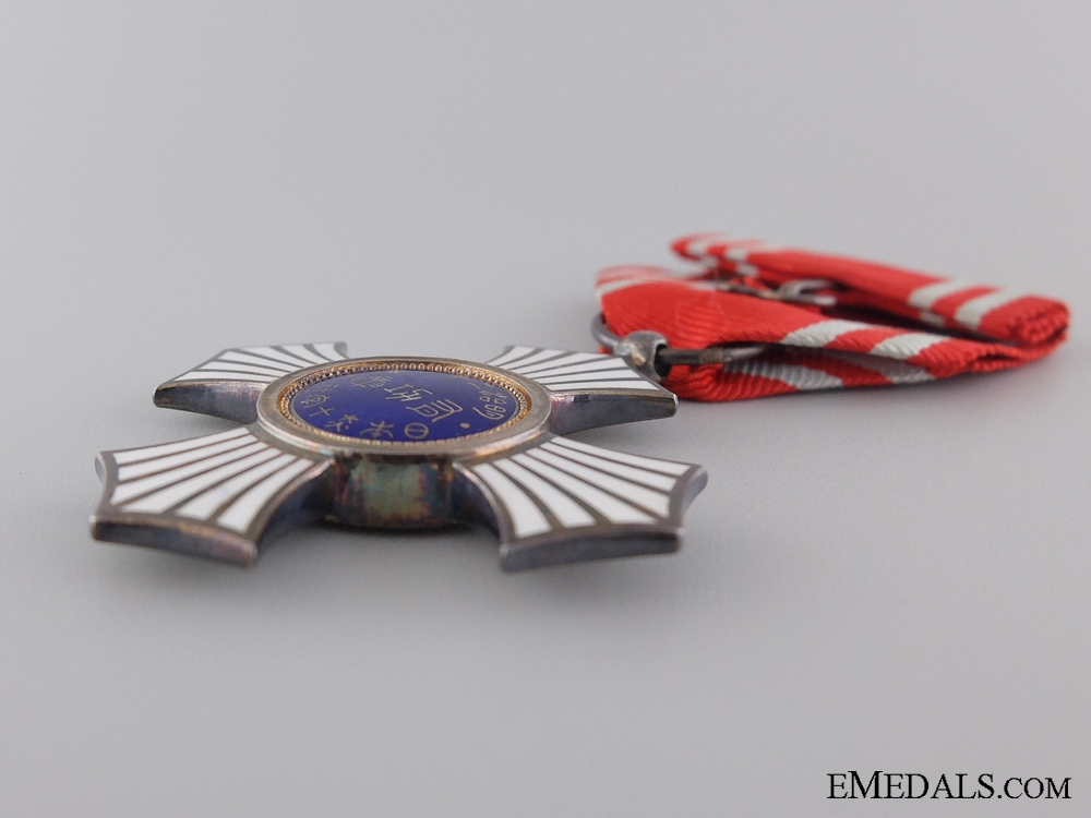 A Japanese Red Cross Order of Merit; Breast Badge