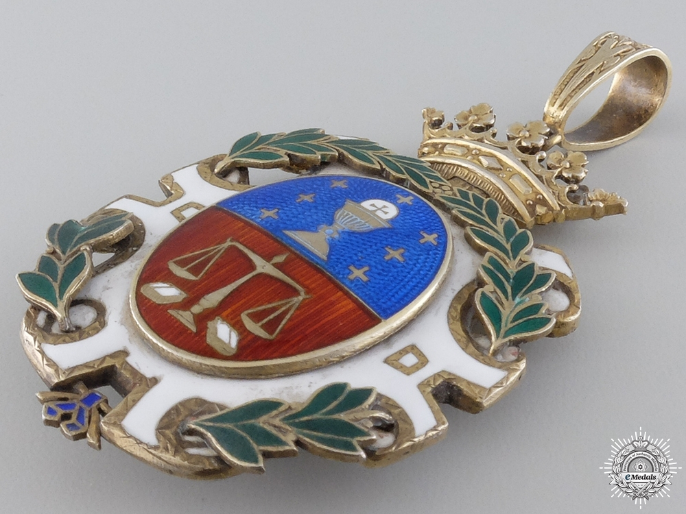 A Spanish Lawyer's Academy Association Badge; Numbered