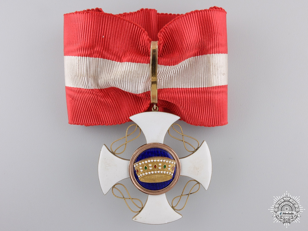An Italian Order of the Crown; Grand Officer Set in Gold