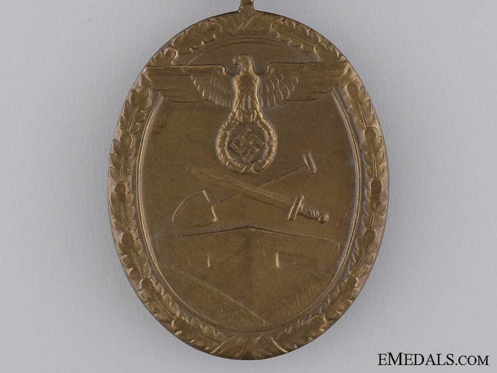 A West Wall Campaign Medal with Rare Case of Issue